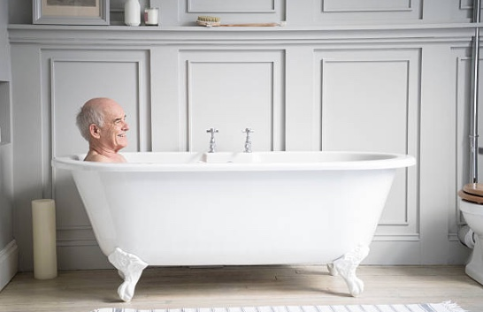 How often to elderly people need to bathe?
